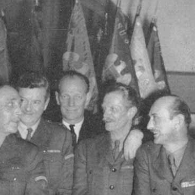 Francia 1940: Lovering Hill, William Henry Wallace, Jr., J.W. Brant, Stuart Benson, Roswell Sanders, e Peter Muir