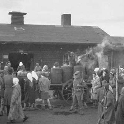 Bergen Belsen dopo la liberazione. 19 aprile 1945